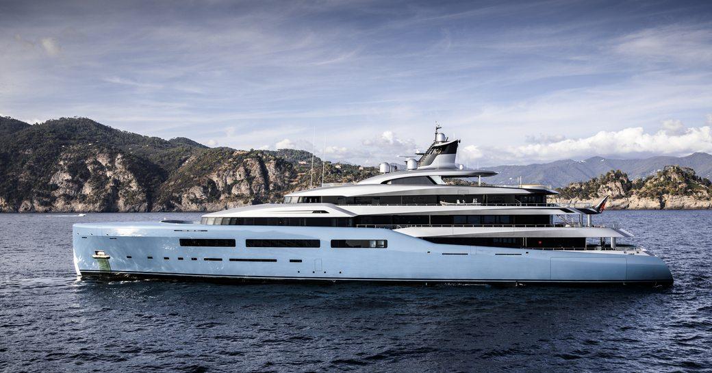 Superyacht AVIVA underway