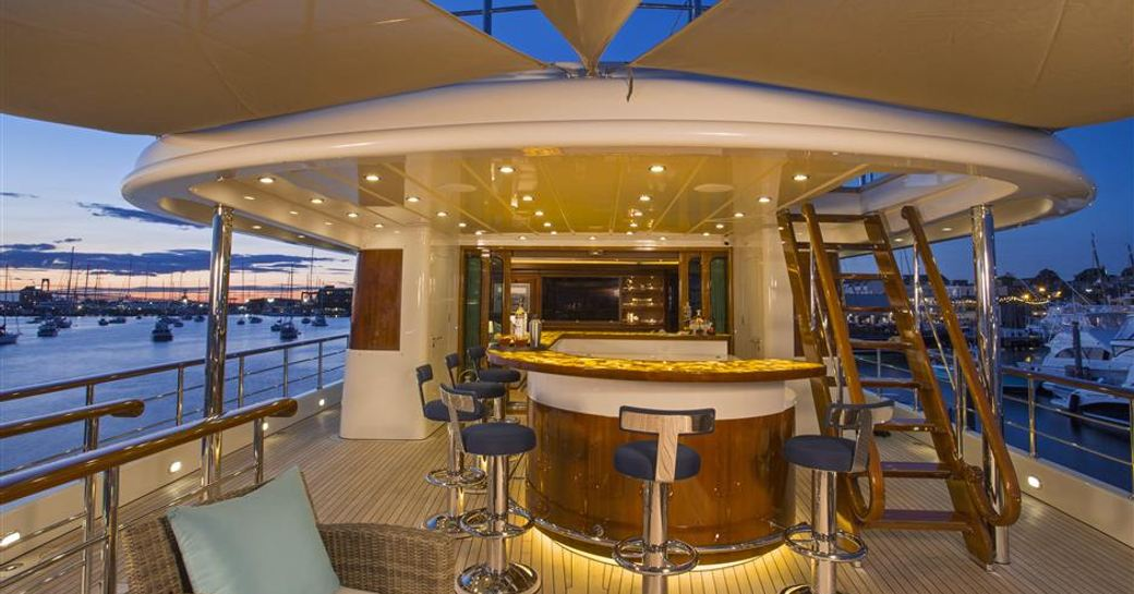 Bahamas yacht charter special: superyacht CLARITY offers unbeatable rates photo 1