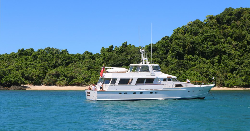 motor yacht BAHAMA on charter in Australia