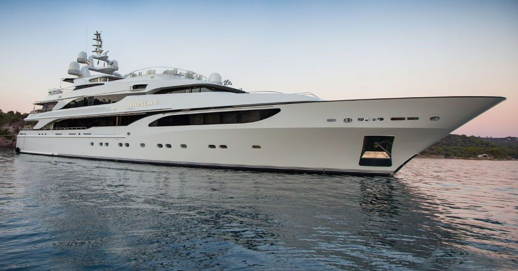 Superyacht 'Lioness V' at anchor