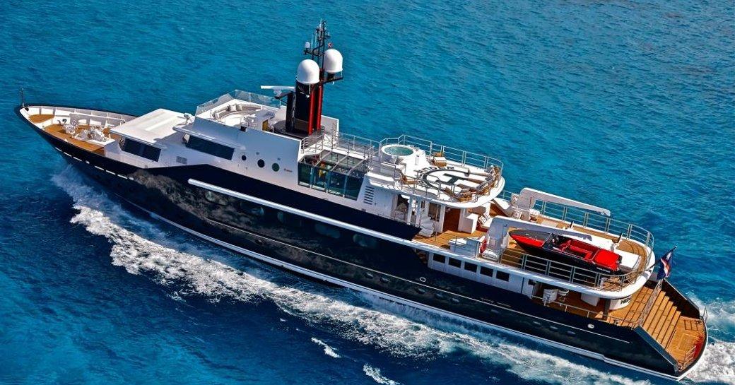 superyacht Highlander underway on a Caribbean yacht charter