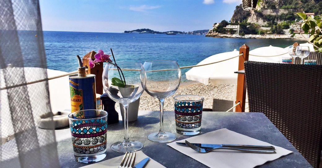 table at papaya beach eze