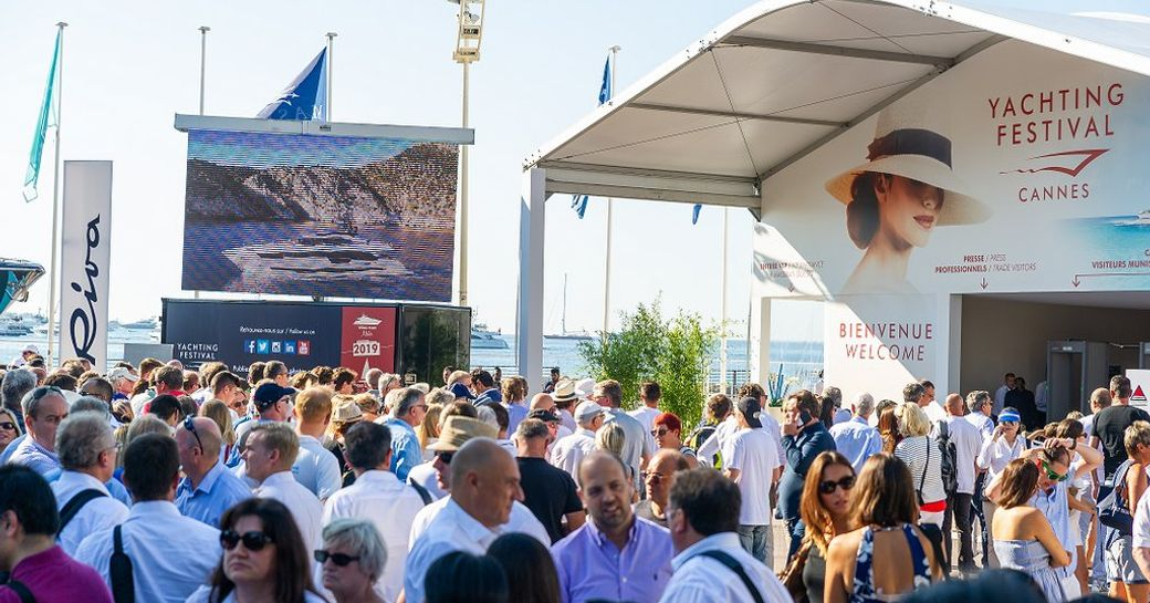 visitors queue up to enter the Cannes Yachting Festival 2018
