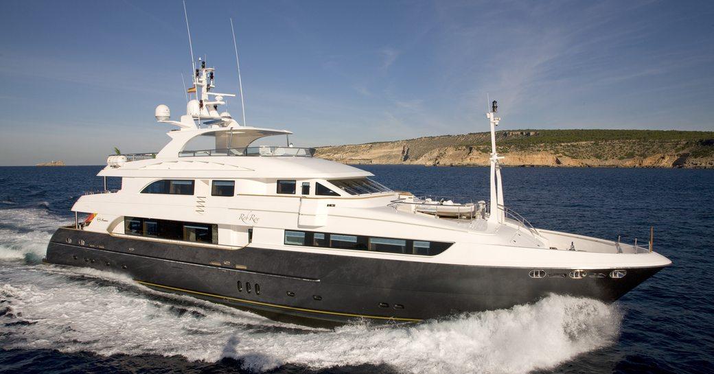 luxury yacht komokwa