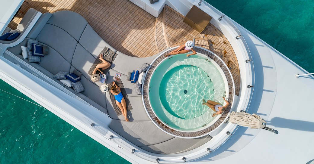 Sun deck of Turquoise with Jacuzzi