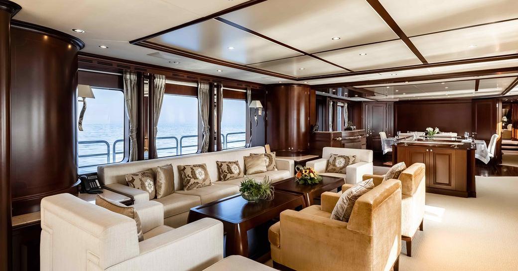 Main salon superyacht AHIDA 2