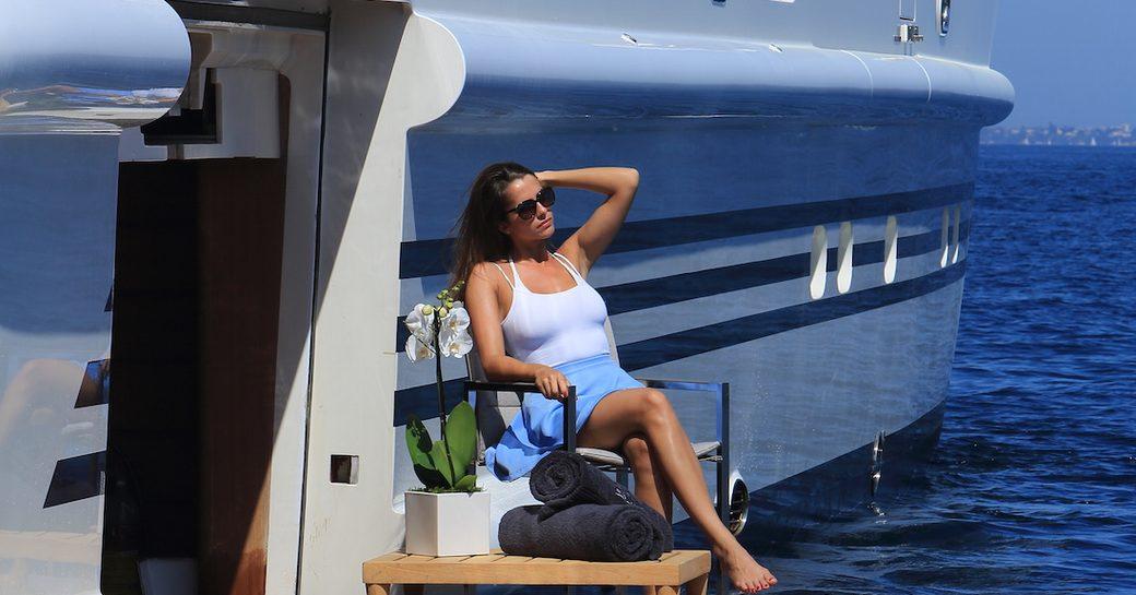 charter yact rola balcony