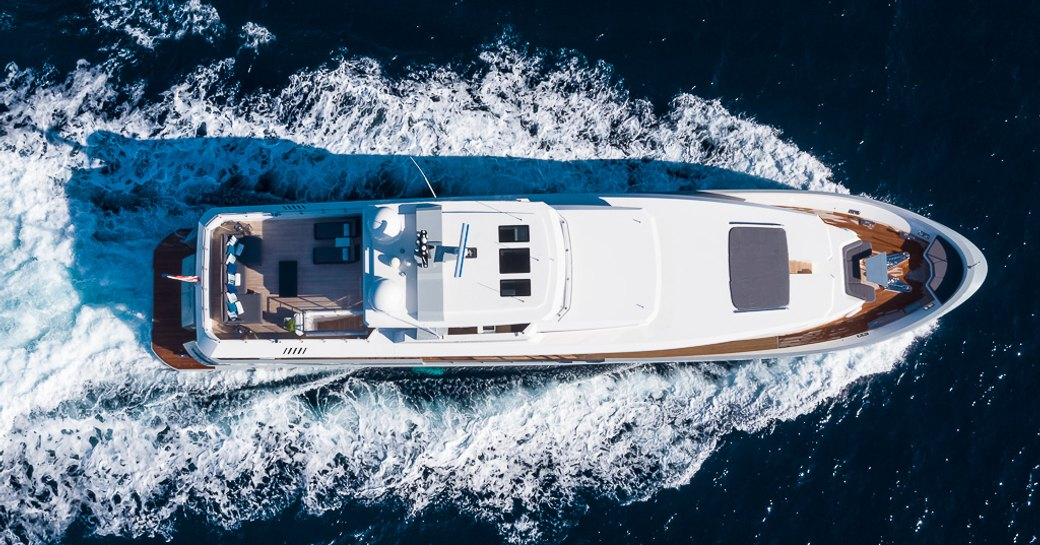View of motor yacht Cinquanta 50 from above