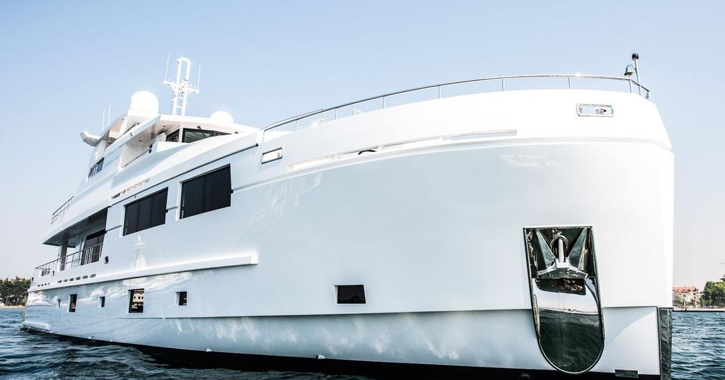 An image which shows the impressive polar white bow of superyacht SERENITAS II