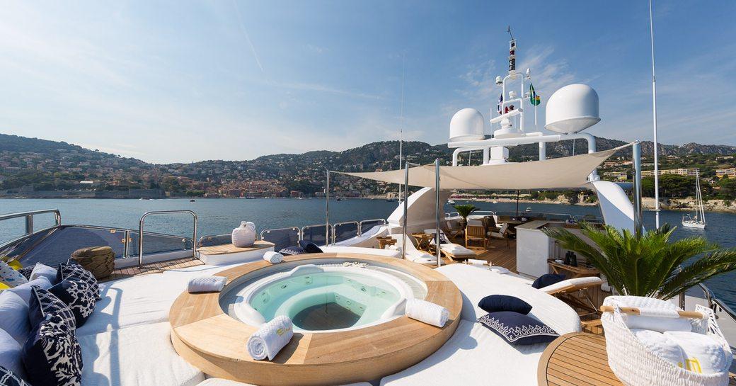 The jacuzzi on superyacht BINA's sundeck