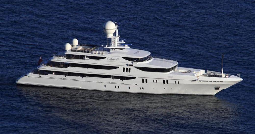 Superyacht Double Down underway