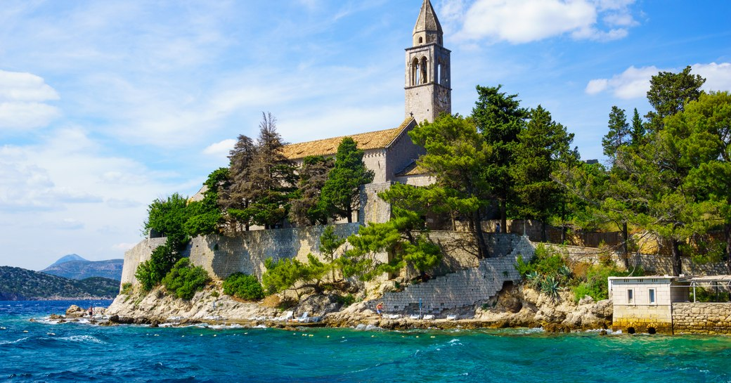 10 things to do on a yacht charter during the Dubrovnik Summer Festival photo 1