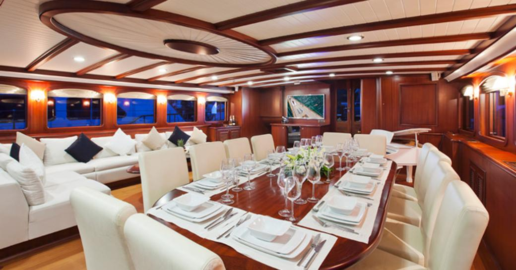 Charter Yacht REGINA Reduces Weekly Rate In The Caribbean This October photo 1