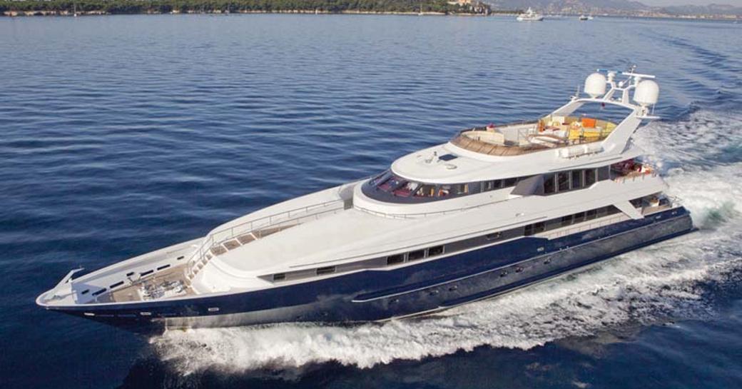 superyacht daloli running shot while underway