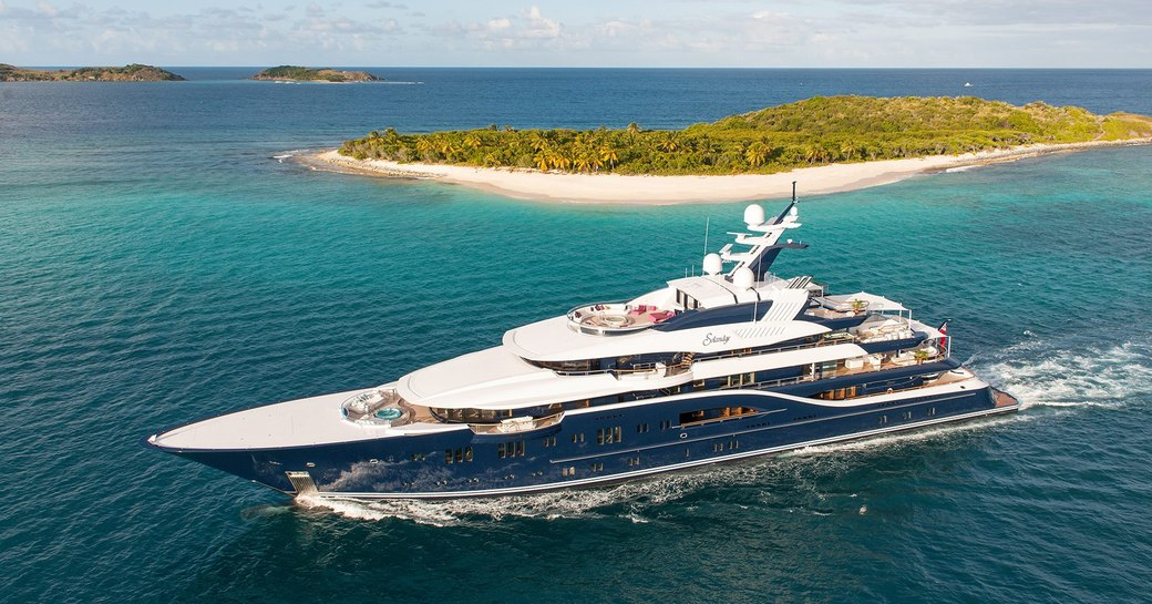SOLANDGE yacht from HBO TV Series SUCCESSION underway