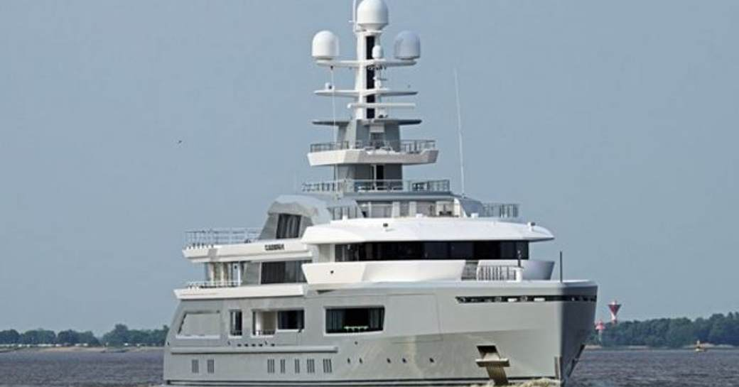 Superyacht CLOUDBREAK underway
