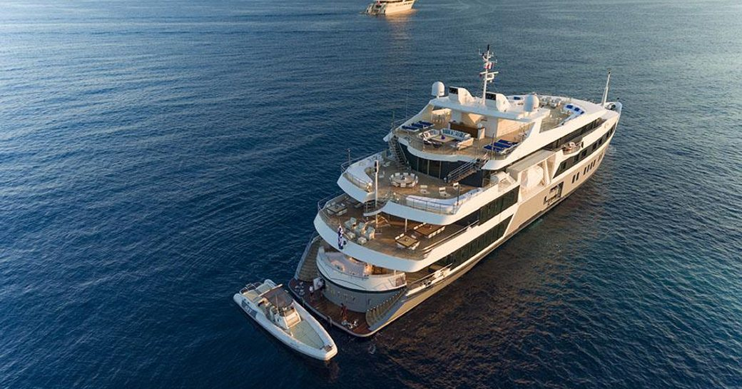 Superyacht SERENITY Open For Maldives Charters This Winter photo 5