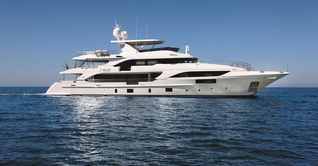 benetti yacht happy me at anchor