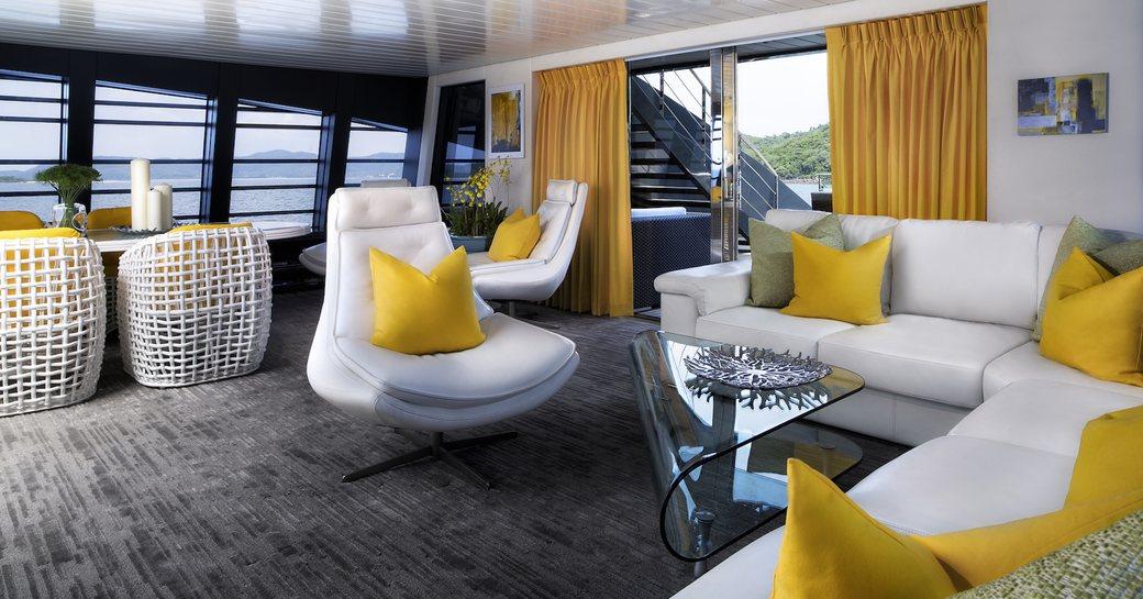 Luxury yacht Ocean Emerald interior lounge