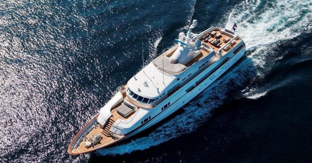 Below Deck Season 4 Premieres Tonight At 9PM EST Onboard 'VALOR' Yacht photo 1