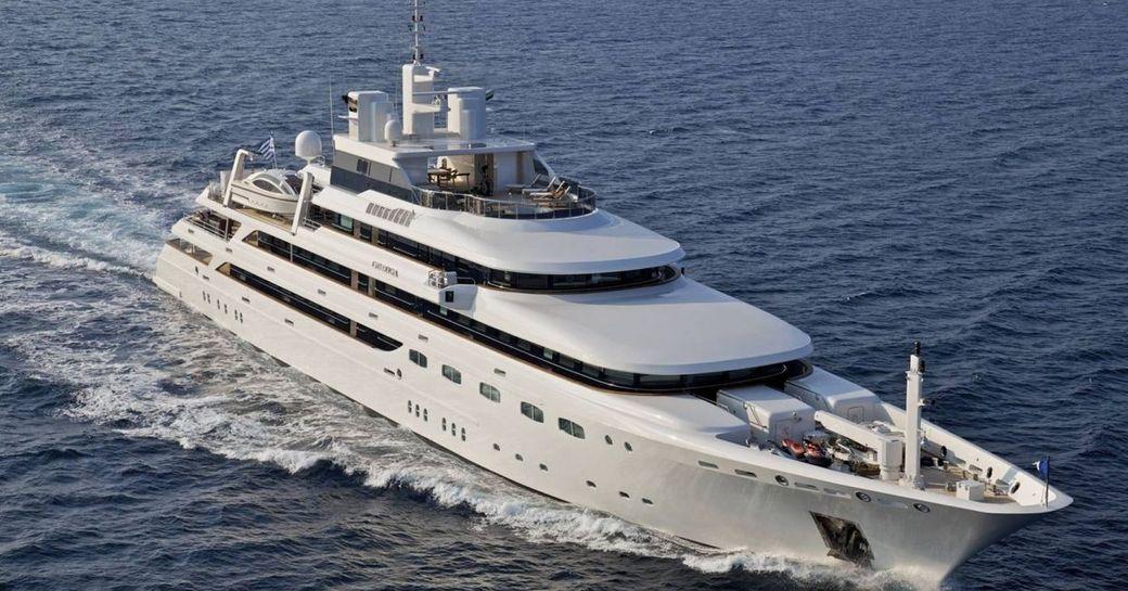 Charter yacht O'MEGA cruising in Monaco