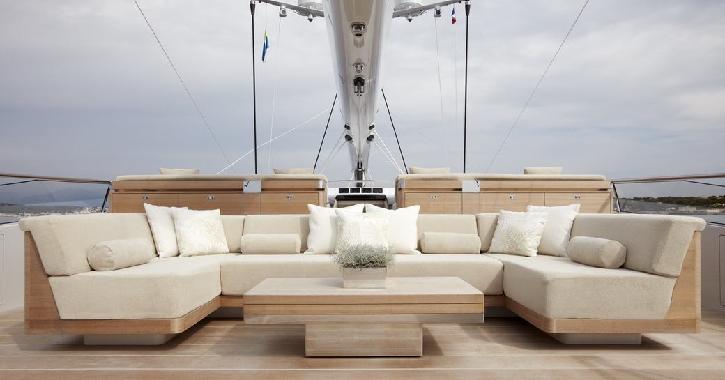sailing yacht TWIZZLE available for christmas and new year charter in st barts
