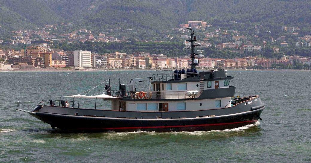 Profile of Vervece yacht