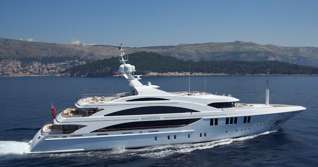 Mimi motor yacht