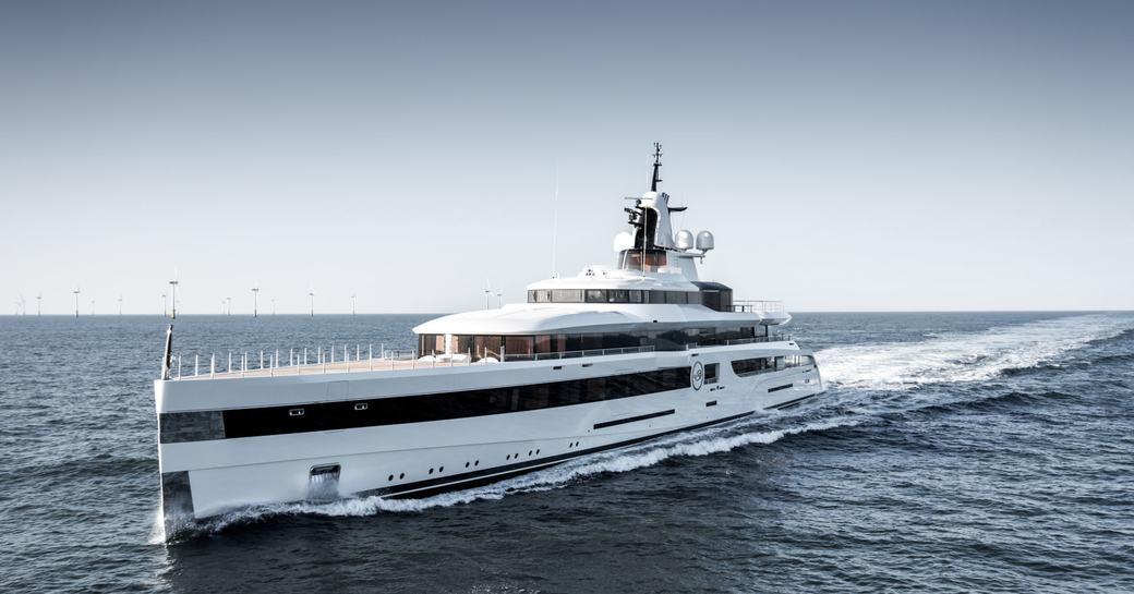 Luxury yacht Lady S