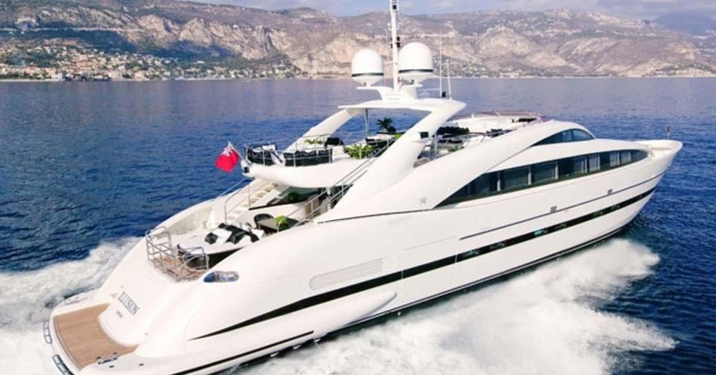 motor yacht SEALYON island hops in the Bahamas on a luxury yacht charter