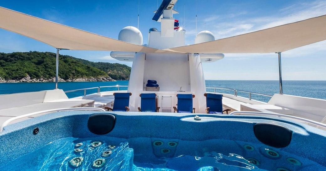 Jacuzzi on the sundeck of superyacht 'Northern Sun'