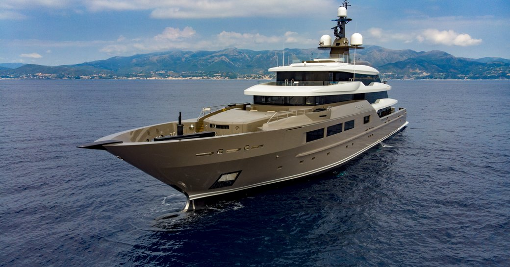 Superyacht SOLO at sea profile shot