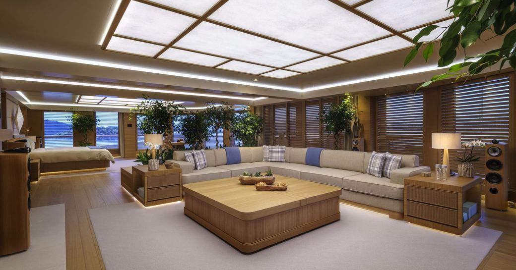 Large owners suite on yacht Flying Fox