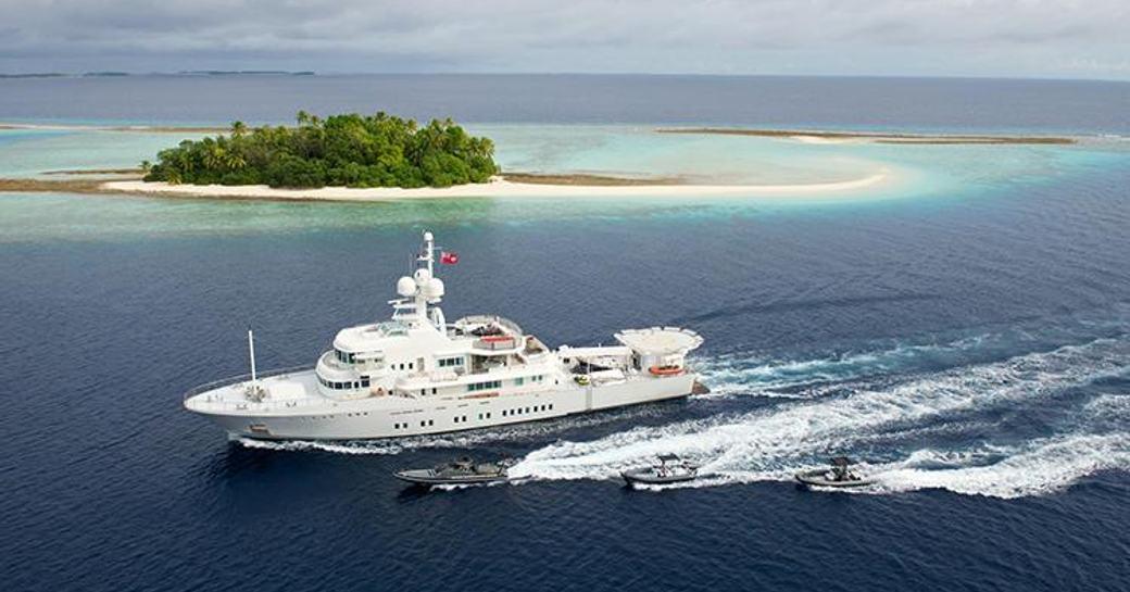 Luxury charter yacht SENSES