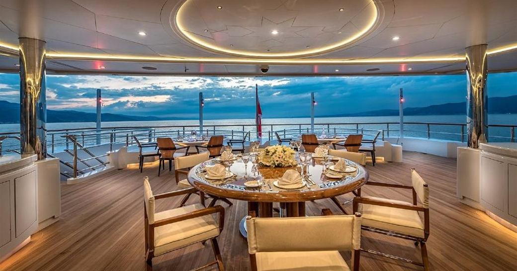 elements yacht dining on main deck aft