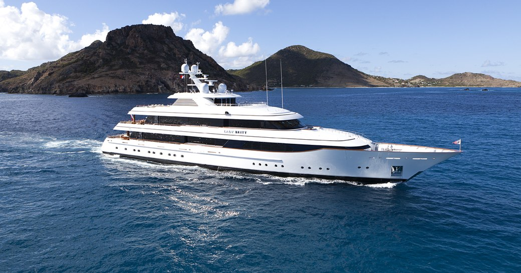 8 of the best yachts still available for a New Year's Eve yacht charter photo 13