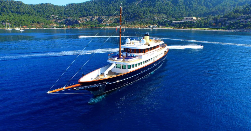 superyacht clarity underway in the caribbean
