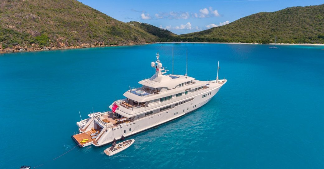 luxury yacht party girl