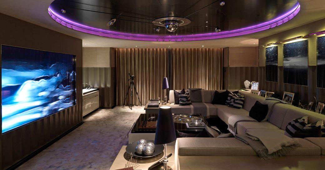 Motor yacht Sealyon interior