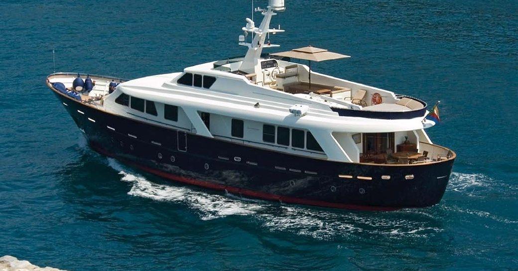Superyacht HARMONYA underway