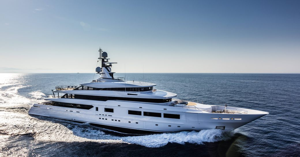 superyacht suerte cruises with minimal vibrations and noise