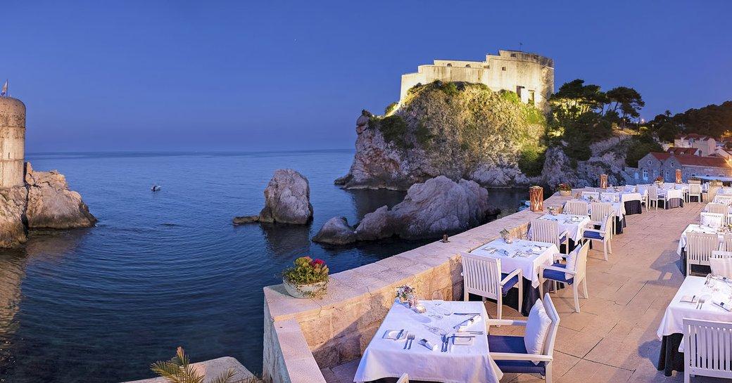 Restaurant in Dubrovnik overlooking the sea