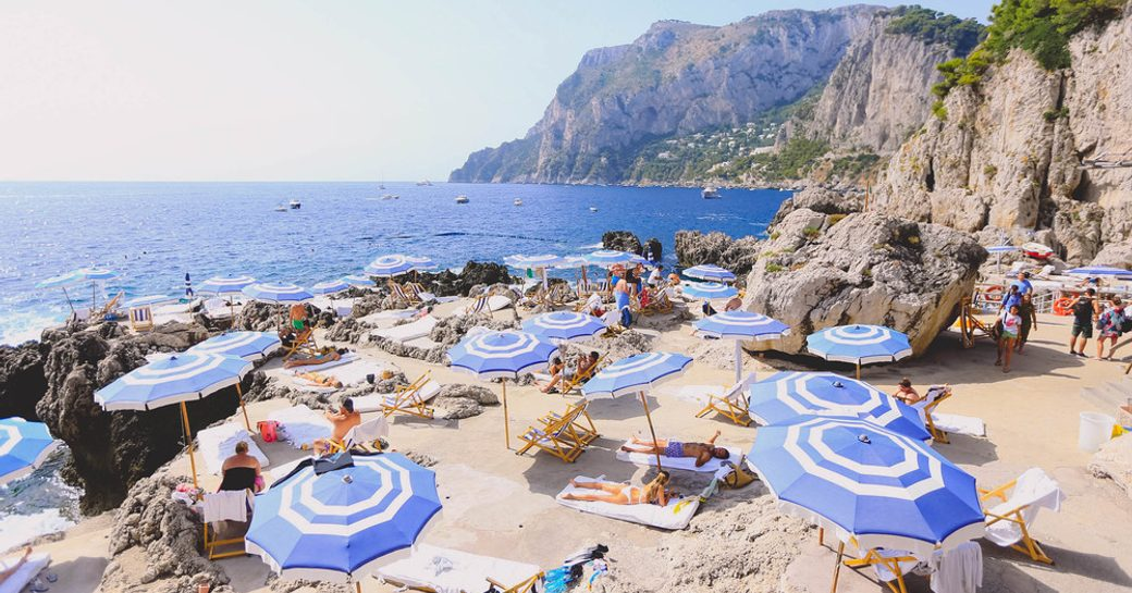 daytime relaxation at Fortelina, Capri, Italy