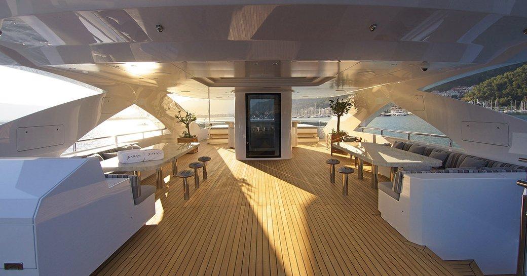 luxury yacht baba's sundeck