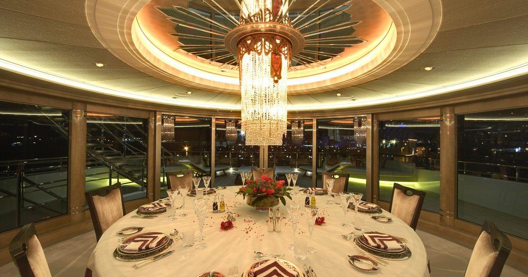 dining salon superyacht amaryllis