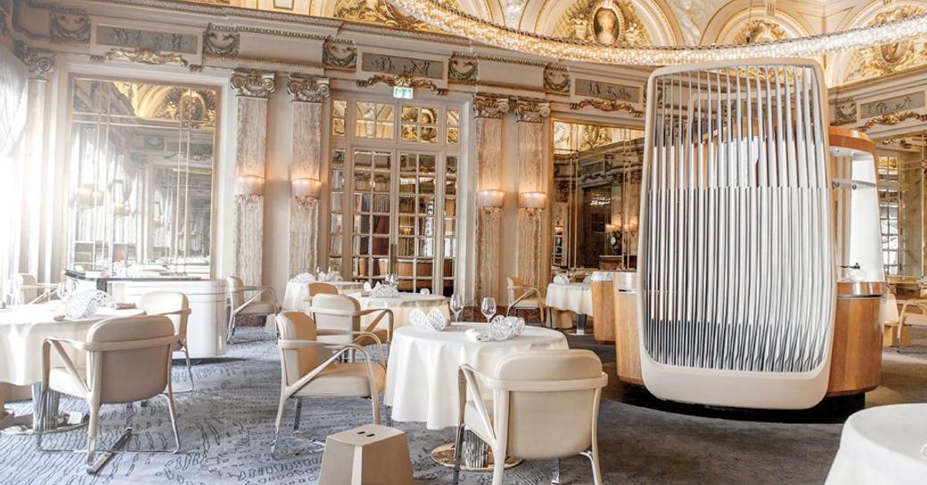 Le Louis XV Alain Ducasse, Hôtel de Paris, with white tables and gold gilding