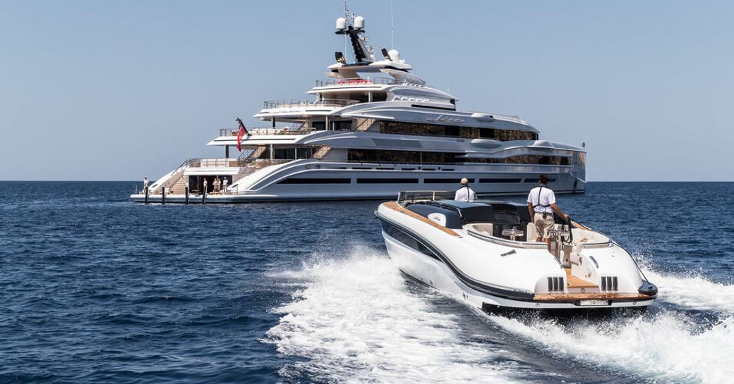 Inside luxury yacht LANA: One of the world's largest charter yachts photo 17