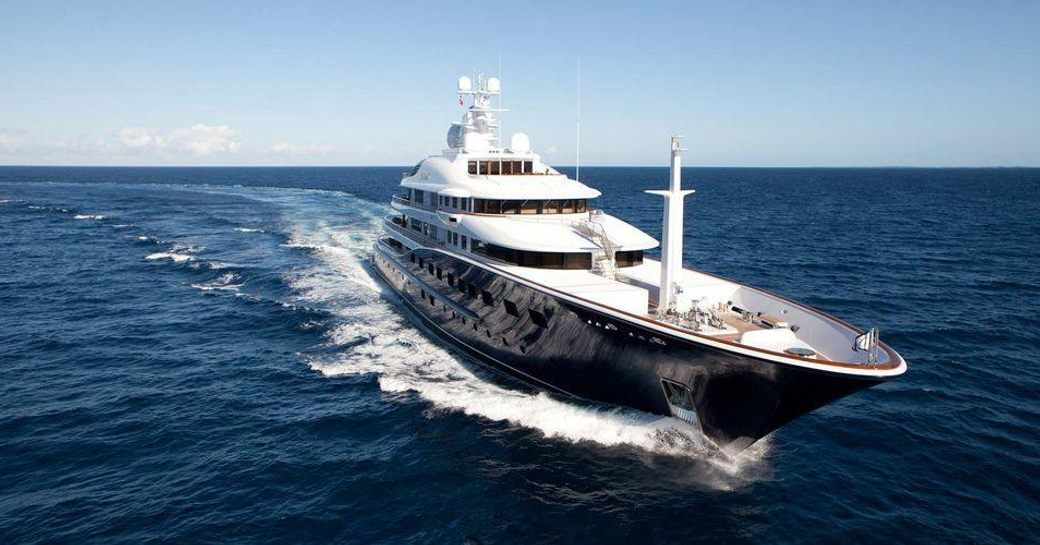 Luxury yacht AQUILA underway