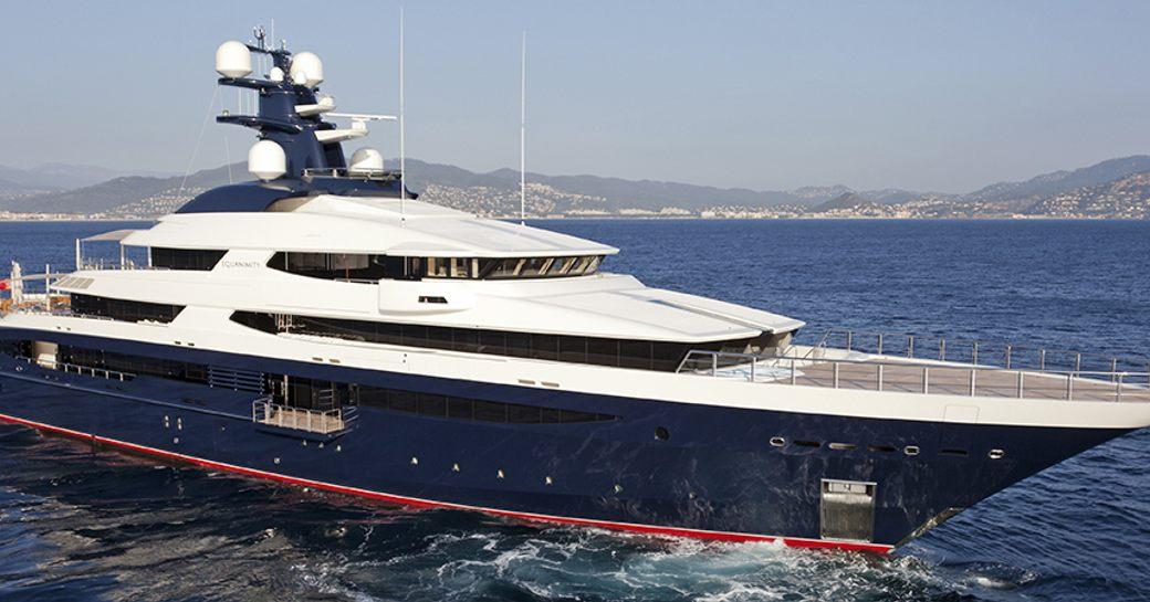 Superyacht Equanimity underway