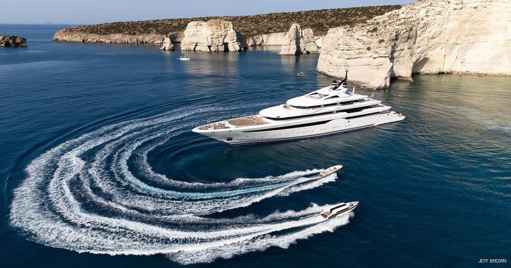 superyacht opari in greece, tenders alongside